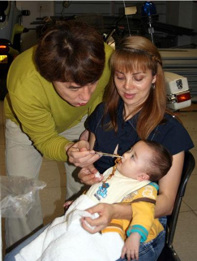 Джеки Чан, Мэтью и его мама Вики