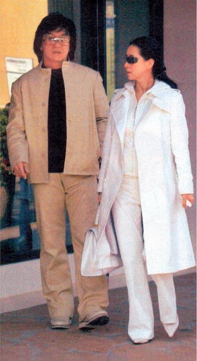 Джеки Чан с женой Фенг-Джа Лин в Лос-Анджелесе (Big Pictures / Fotolink)